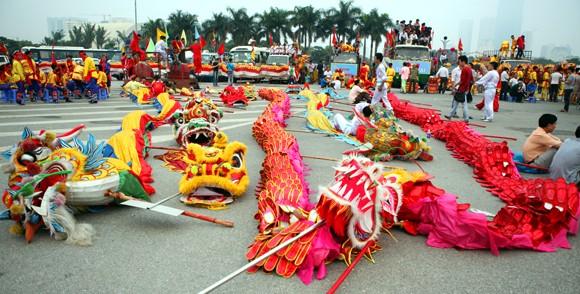 Mãn nhãn với Lễ hội múa rồng Hà Nội 2012 ảnh 1