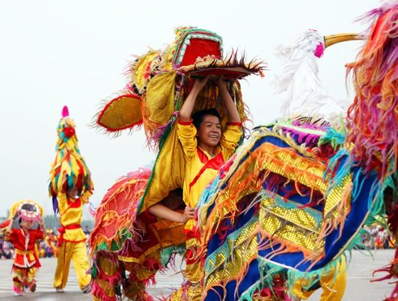 Mãn nhãn với Lễ hội múa rồng Hà Nội 2012 ảnh 17
