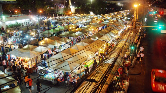 Choáng ngợp chợ đêm Bangkok ảnh 1
