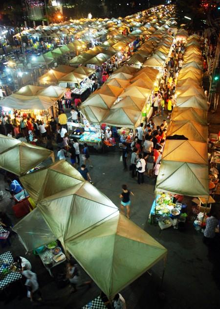 Choáng ngợp chợ đêm Bangkok ảnh 2