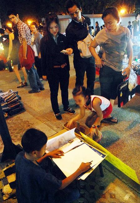 Choáng ngợp chợ đêm Bangkok ảnh 9