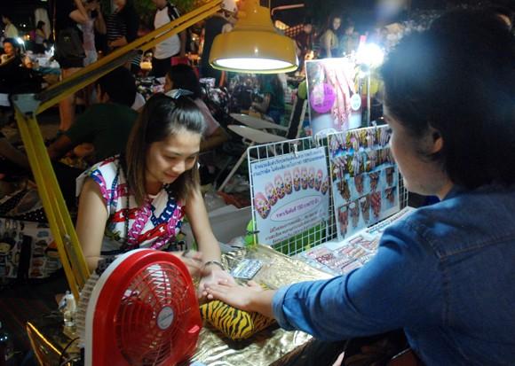Choáng ngợp chợ đêm Bangkok ảnh 8