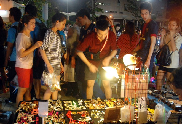 Choáng ngợp chợ đêm Bangkok ảnh 4