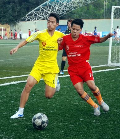 16 đội giành quyền vào vòng 2 giải bóng đá học sinh Hà Nội 2013 ảnh 2