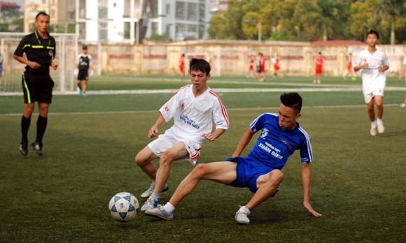 16 đội giành quyền vào vòng 2 giải bóng đá học sinh Hà Nội 2013 ảnh 5