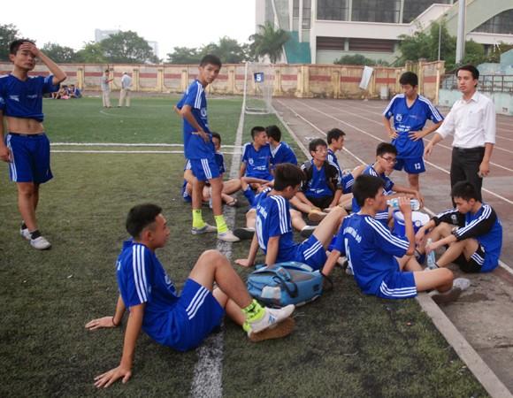 16 đội giành quyền vào vòng 2 giải bóng đá học sinh Hà Nội 2013 ảnh 7