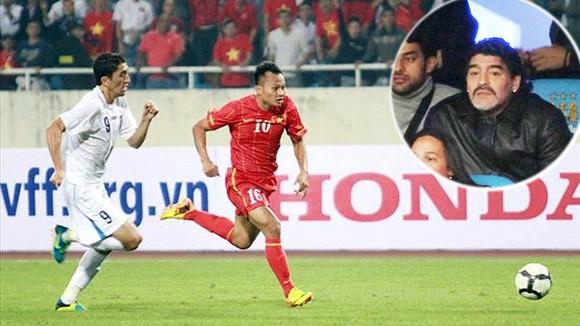 """""""Cậu bé vàng"""" Maradona dự khán trận Việt Nam - UAE ảnh 1"""