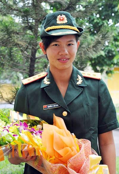 Cô Thượng úy trẻ đoạt danh hiệu VĐV tiêu biểu năm 2013 ảnh 1