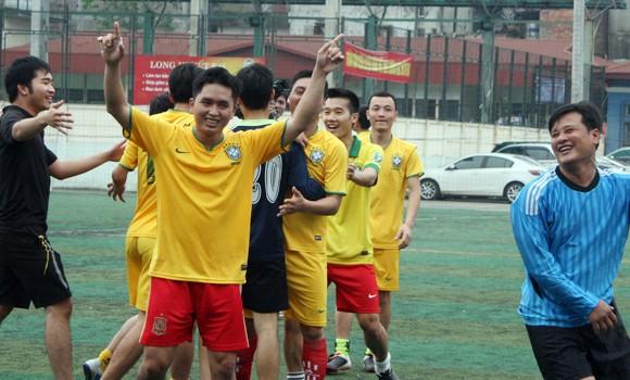 Trận đấu ngập niềm vui, thắm tình đoàn kết ảnh 11