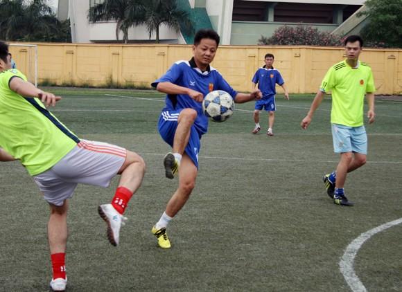 Hấp dẫn giải bóng đá Công đoàn CATP Hà Nội 2014 ảnh 1