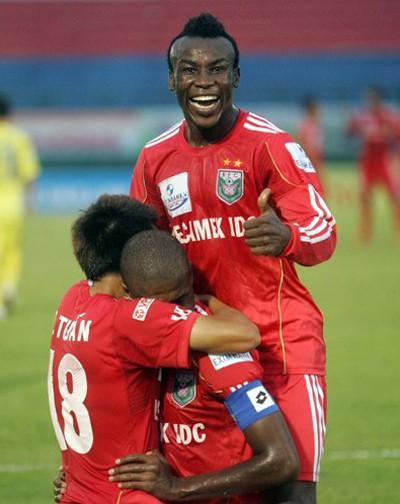 B.Bình Dương đi vào lịch sử V-League với 3 lần vô địch ảnh 1