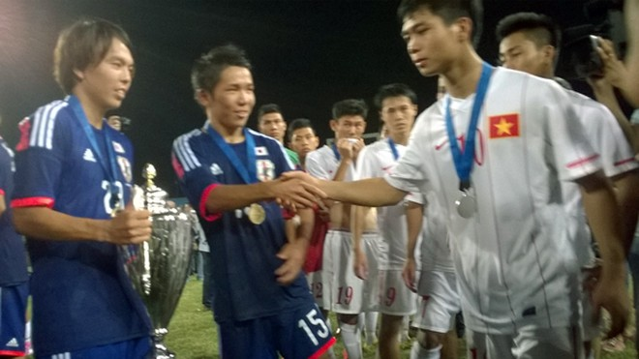 Vui với U19 Việt Nam, đừng quên cảm ơn U19 Nhật Bản ảnh 1