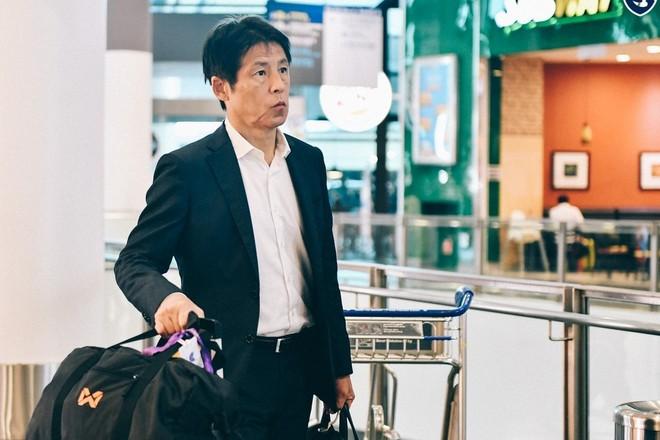 Thái Lan cách ly HLV Nishino 14 ngày ảnh 1