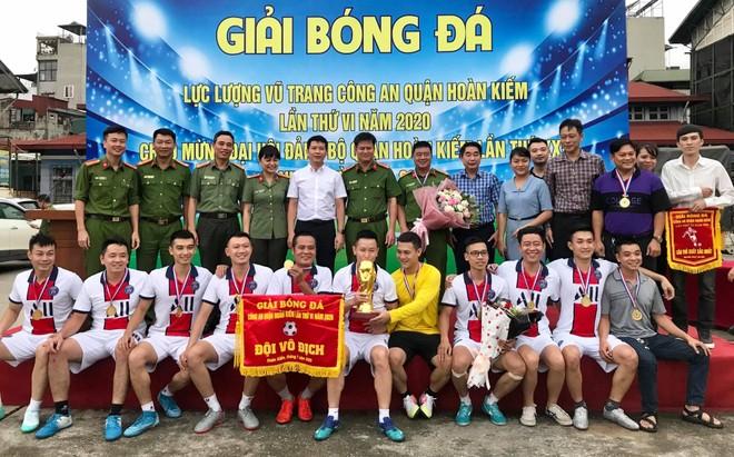 Đội bóng Công an phường Chương Dương vô địch giải quận Hoàn Kiếm 2020 ảnh 2