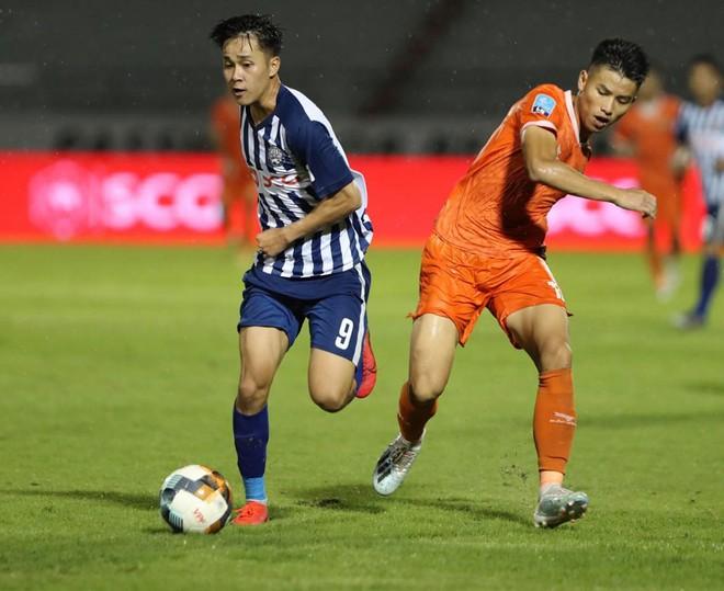 Chức vô địch hạng Nhất và suất V-League 2021 chưa thể ngã ngũ ảnh 1