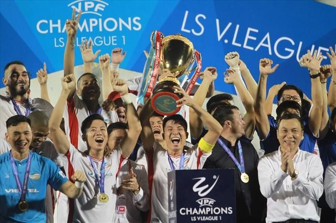 FIFA treo giò 11 cầu thủ Đồng Tháp và những sự kiện bóng đá Việt năm 2020 ảnh 1