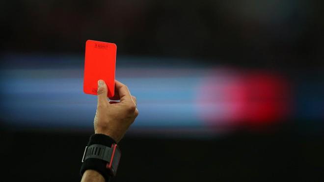 """Các ông """"bầu"""" ở V-League có thể bị phạt thẻ đỏ ảnh 1"""