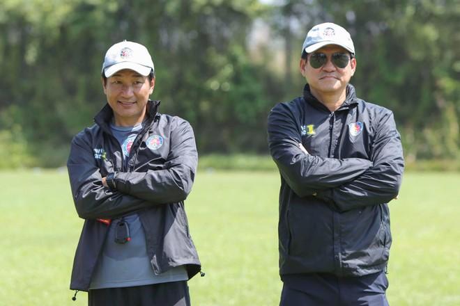 Đội bóng đầu tiên ở V-League 2021 'thay tướng' ảnh 1