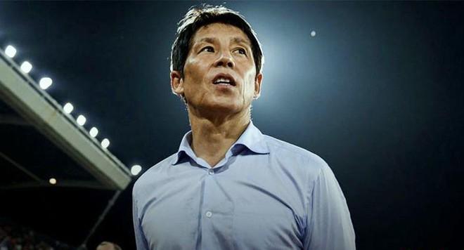 HLV Thái Lan chạy đua cùng thầy Park từ... khu cách ly ảnh 1