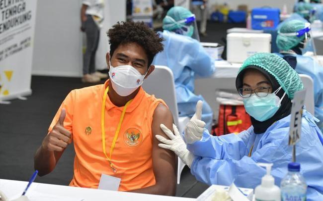 Đề xuất tiêm vaccine Covid-19 cho tuyển Việt Nam và 3 CLB V-League ảnh 2