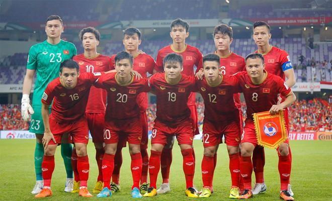 Đề xuất tiêm vaccine Covid-19 cho tuyển Việt Nam và 3 CLB V-League ảnh 1