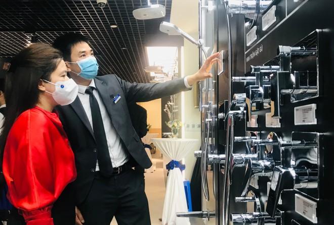 TOTO ra mắt phòng trưng bày đầu tiên tại Hà Nội ảnh 2