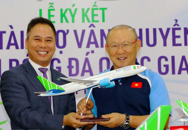 Tuyển Việt Nam bay chuyên cơ Boeing 787 sang UAE ảnh 1