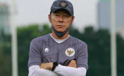 HLV Indonesia bị cấm chỉ đạo trận gặp UAE ảnh 1