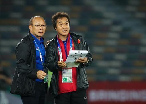 Ai sẽ thay ông Park trực tiếp chỉ đạo tuyển Việt Nam quyết đấu UAE? ảnh 1