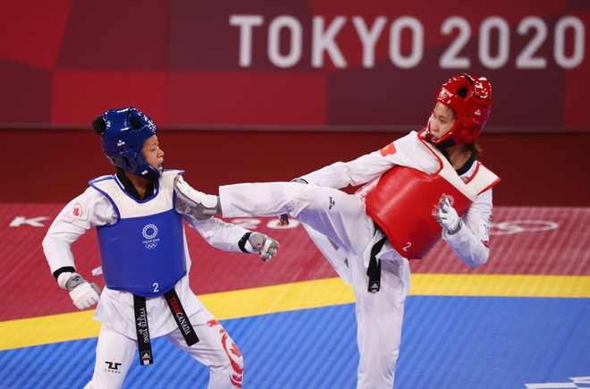 Thuỳ Linh hạ tay vợt gốc Trung Quốc, Kim Tuyền đấu võ sỹ Thái Lan ảnh 3