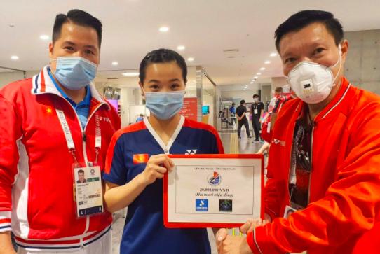 Thuỳ Linh hạ tay vợt gốc Trung Quốc, Kim Tuyền đấu võ sỹ Thái Lan ảnh 2