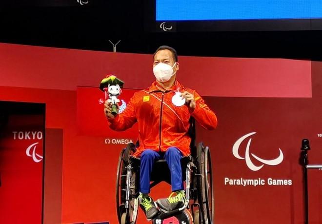 Đoàn Việt Nam về nước với 1 huy chương bạc Paralympic Tokyo ảnh 2