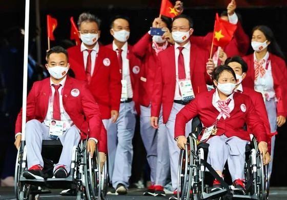 Đoàn Việt Nam về nước với 1 huy chương bạc Paralympic Tokyo ảnh 1