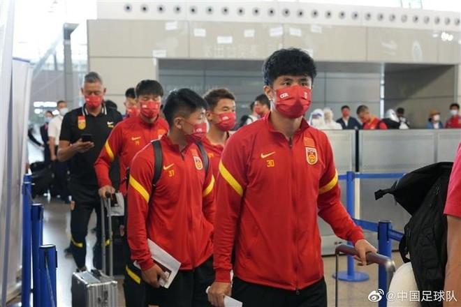 Đội tuyển Trung Quốc 'lang thang' nước ngoài đến bao giờ? ảnh 1