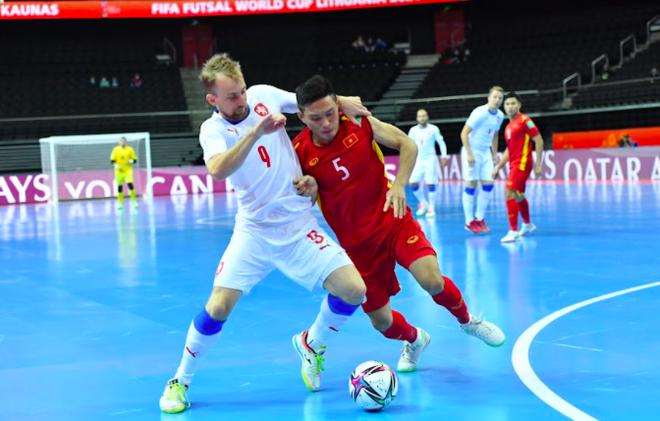 Giành điểm từ CH Séc, futsal Việt Nam xuất sắc vào vòng 1/8 World Cup ảnh 1