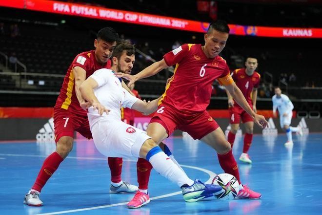 Futsal Việt Nam tiến bước dài qua 2 kỳ World Cup ảnh 1