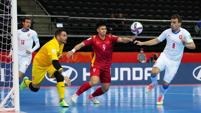 Futsal Việt Nam tiến bước dài qua 2 kỳ World Cup ảnh 2