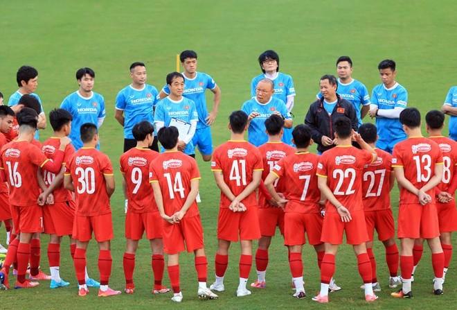 Tháng 10 bận rộn của HLV Park Hang-seo ảnh 1