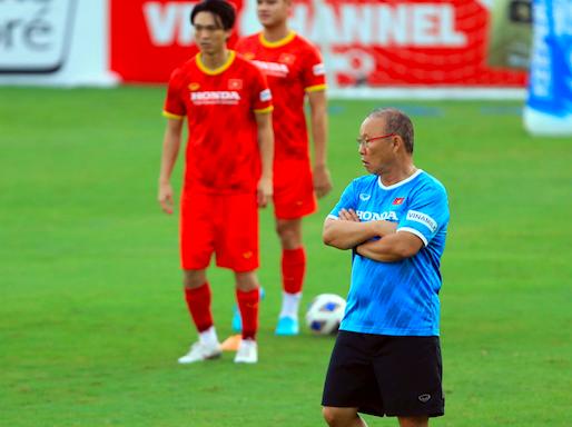 Thầy Park gặp khó: Chọn đội tuyển quốc gia hay U22? ảnh 1