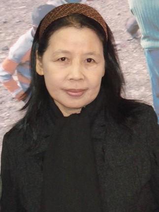 """Nhà văn Lê Minh Khuê ra mắt tập truyện ngắn """"Nhiệt đới gió mùa"""" ảnh 2"""
