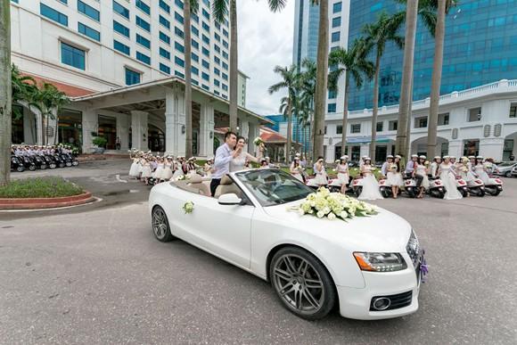 100 cô dâu chú rể náo nức tranh tài...marathon ảnh 3