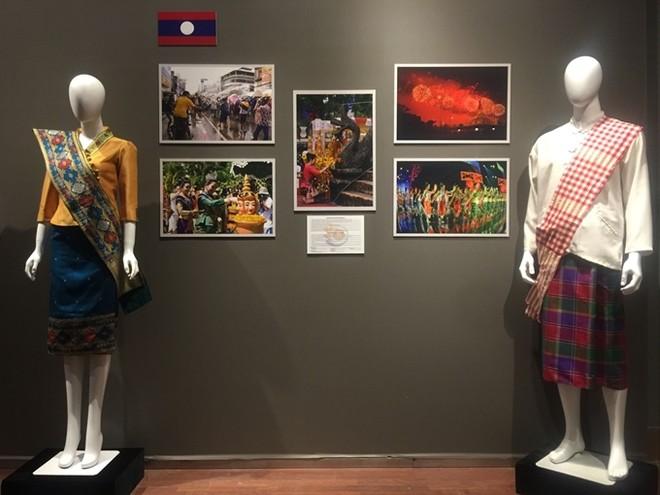 Chiêm ngưỡng trang phục truyền thống các nước ASEAN ảnh 5