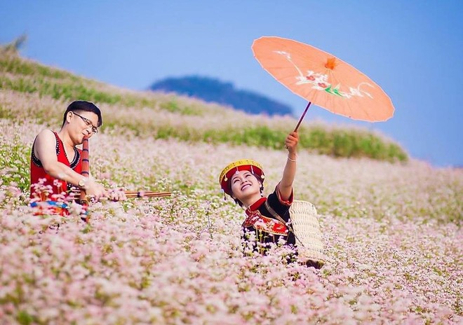 """Lễ hội """"Sắc hoa trên cao nguyên đá"""" tôn vinh giá trị văn hóa đặc sắc Hà Giang ảnh 1"""