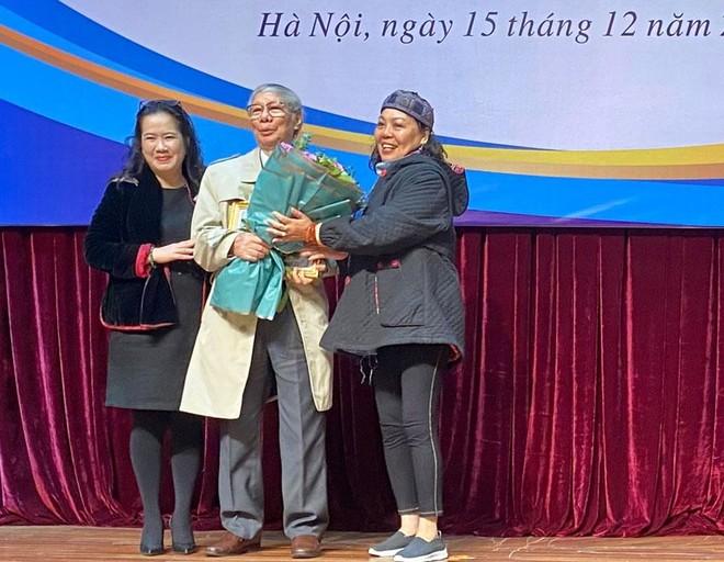 Nhà văn Hoàng Quốc Hải nhận Giải thưởng Thành tựu văn học trọn đời ảnh 1
