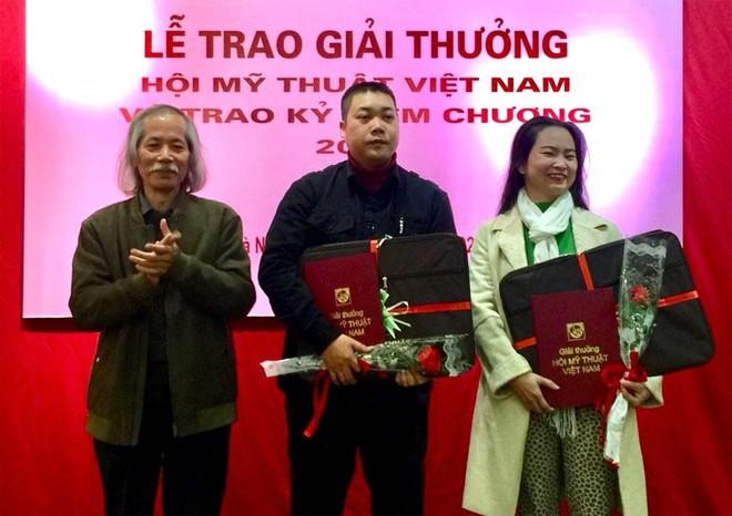 """Giải thưởng Mỹ thuật Việt Nam 2020: """"Bỏ trống"""" giải Nhất ảnh 1"""