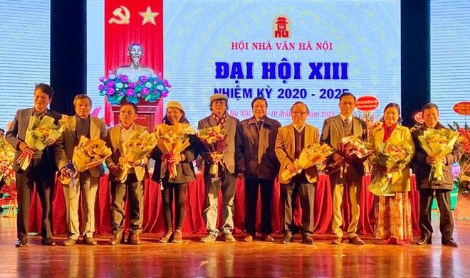 Nhà thơ Trần Gia Thái đắc cử Chủ tịch Hội Nhà văn Hà Nội nhiệm kỳ 2020-2025 ảnh 1