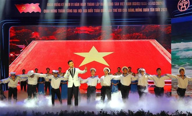 """""""Đảng cho ta mùa xuân"""": Không gian nghệ thuật đặc sắc tái hiện chặng đường vẻ vang của Đảng Cộng sản Việt Nam ảnh 1"""