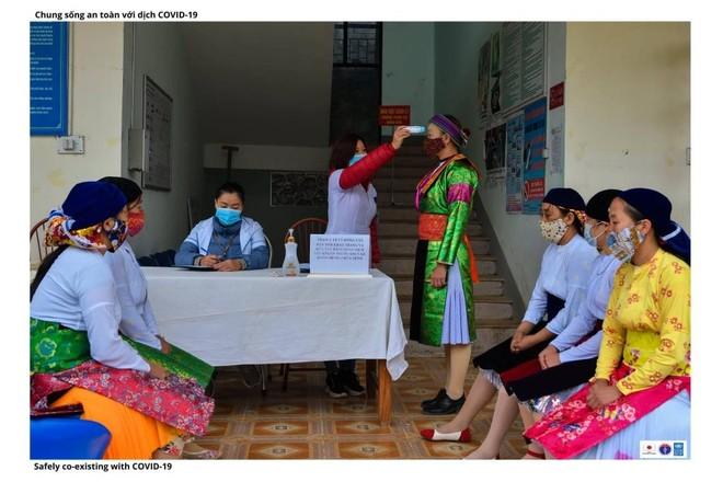 Hình ảnh đồng bào dân tộc thiểu số phòng dịch Covid-19 ảnh 1