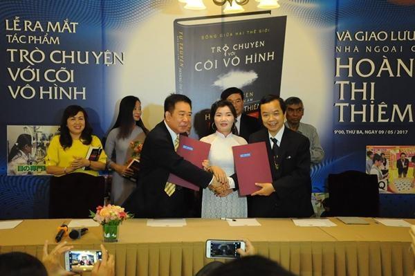 """Lùm xùm bản quyền cuốn sách tâm linh """"Trò chuyện với cõi vô hình"""" giữa First News- Trí Việt và Thái Hà Books ảnh 2"""