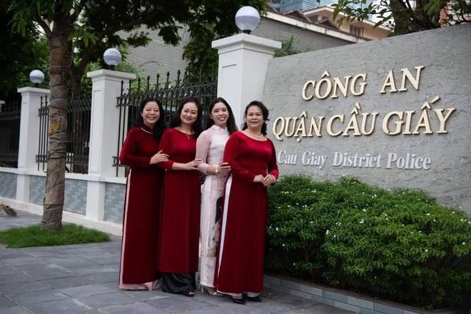 Nét duyên áo dài phụ nữ Công an Thủ đô ảnh 2